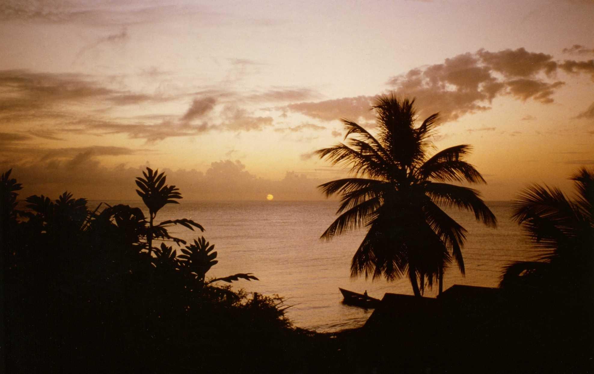 Foto eines Sonnenuntergang auf St. Lucia aufgenommen auf einer Tour mit dem Segelboot